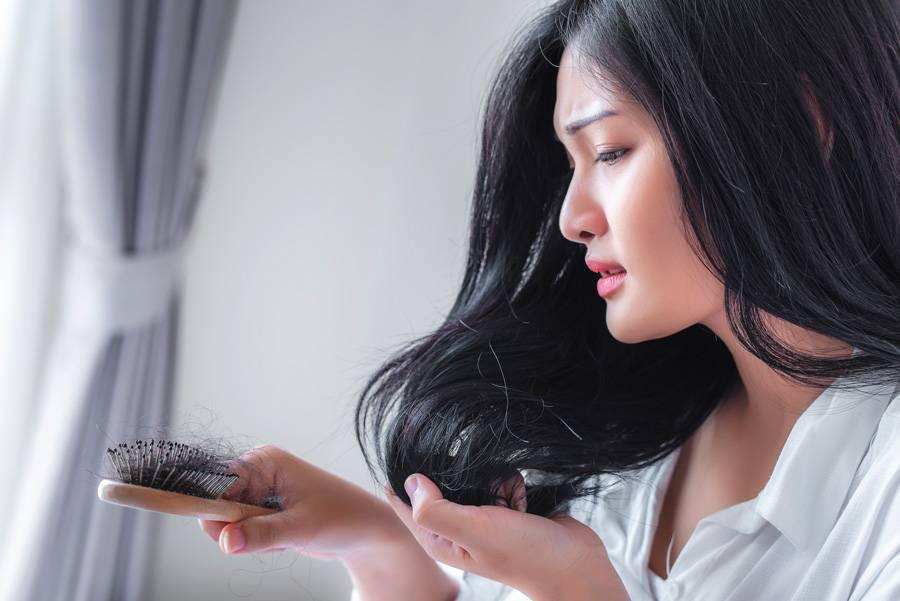 chute de cheveux femme cause traitements